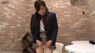 挑発してみて?と言われて恥ずかしがりながら挑戦する女子校生がエロ可愛過ぎる。のサムネ
