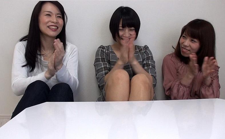 【腐女子 AV】オタク女子AV女優3人娘のガチオタ会にちんぽが乱入。