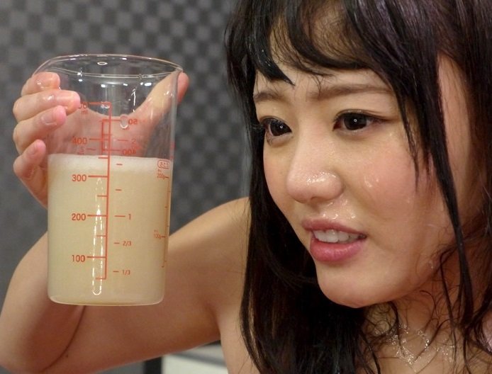 102発350mlの精子を全てまとめてごっくん 浜崎真緒の画像4