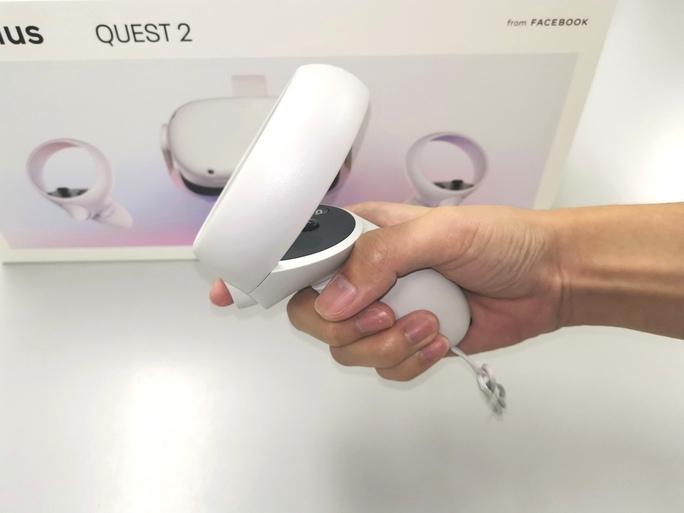 Oculus quest 2コントローラー
