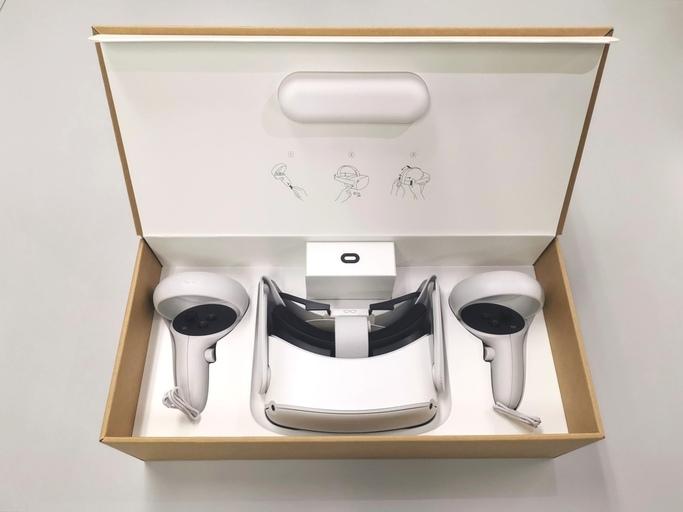 Oculus Quest 2開封時の写真