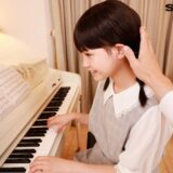 ロリVR最高の衝撃作『3年2組 はるちゃん 142cm ピアノレッスン中にわいせつ』を視聴レビュー!